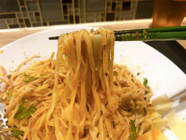 冷し汁なし担担麺の麺