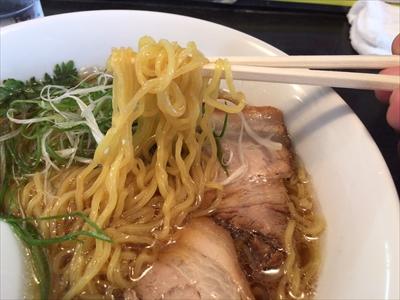 三角山五衛門ラーメン しょうゆラーメン 麺