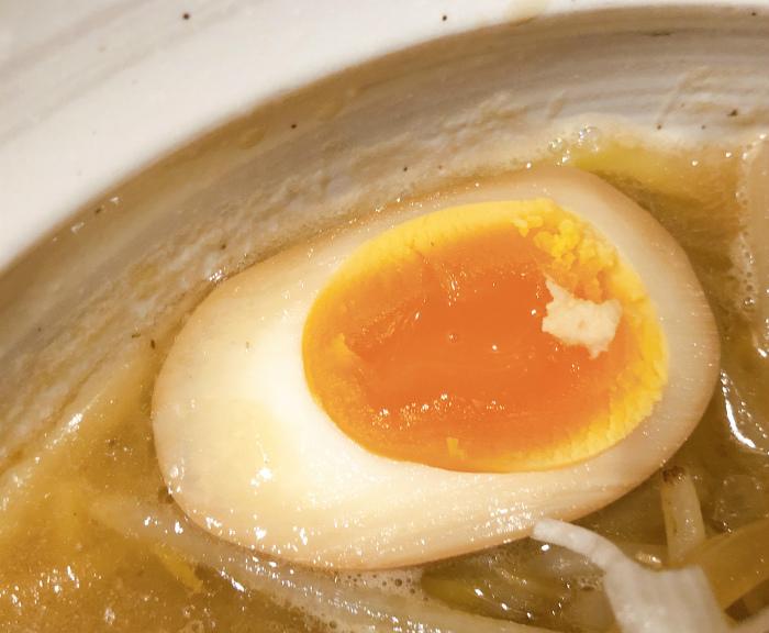 麺屋 すずらん 味噌らーめん 燻製味玉