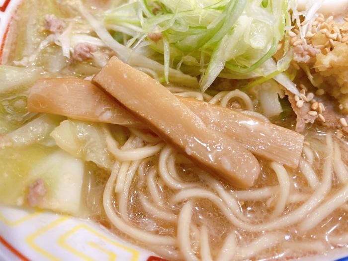 麺と餃子 いせのじょう 桑園高架下 特製みそラーメン メンマ