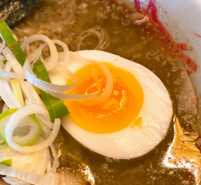 らーめん おにやんま みそラーメン ゆで卵