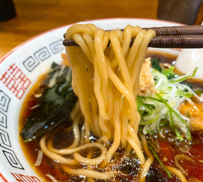 らーめん心繋 生姜醤油 麺