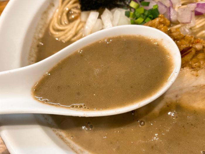 辛い濃厚煮干しらーめん スープ