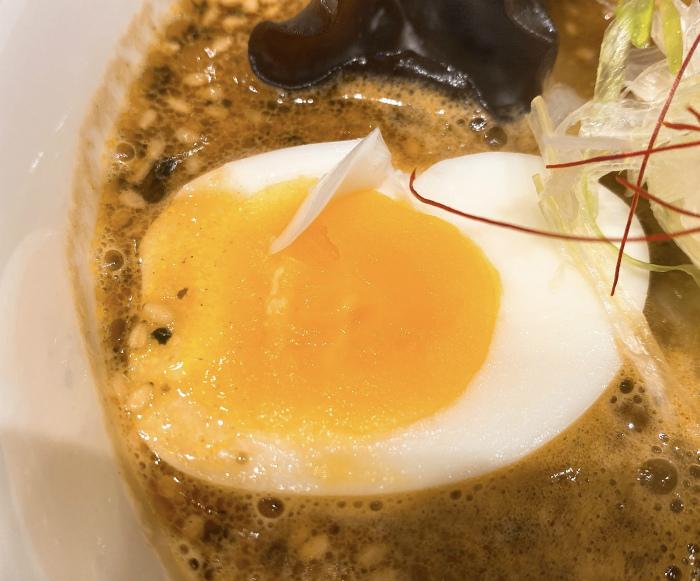らーめん寅乃虎 一ノ寅(こってり)ゆで卵