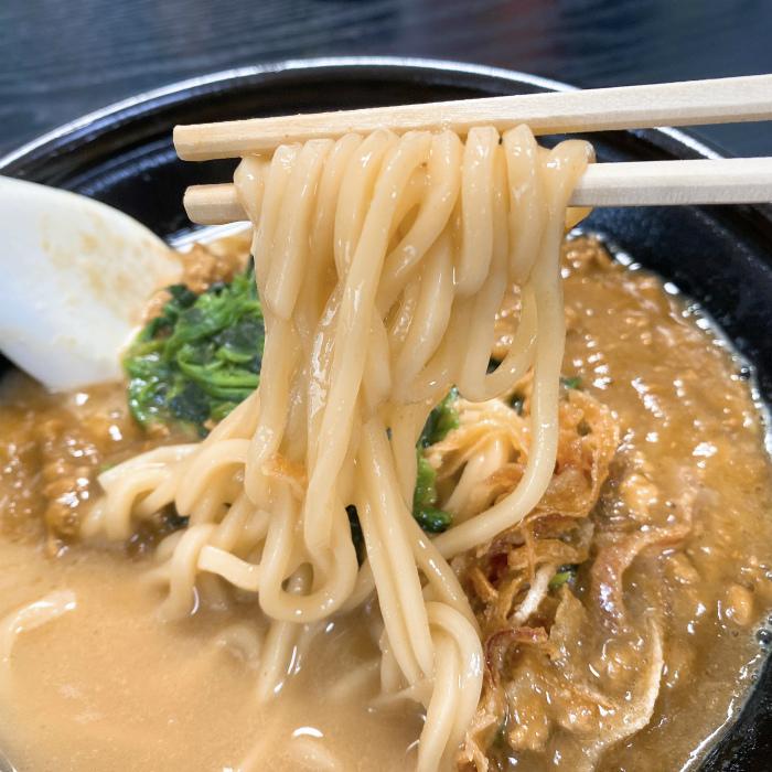 家系カレーラーメン 麺