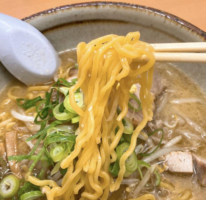 麺屋 彩未 味噌らーめん 麺
