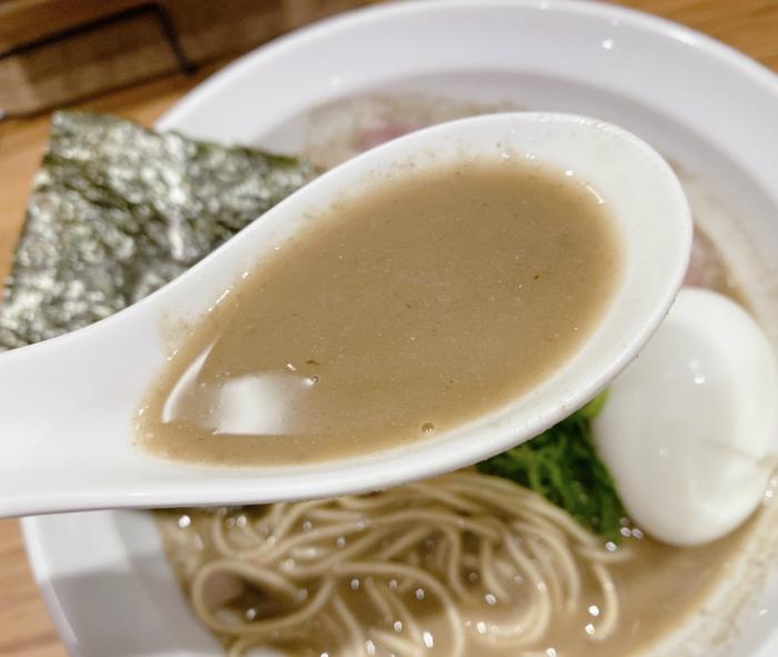井さい@西線南6条 濃厚煮干しらーめん スープ