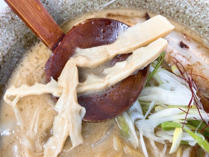 麺や 春夏揫冬-ShiKi-でごぼうらーめん 味噌 穂先メンマ